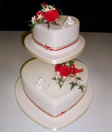 Свадебный торт: красный