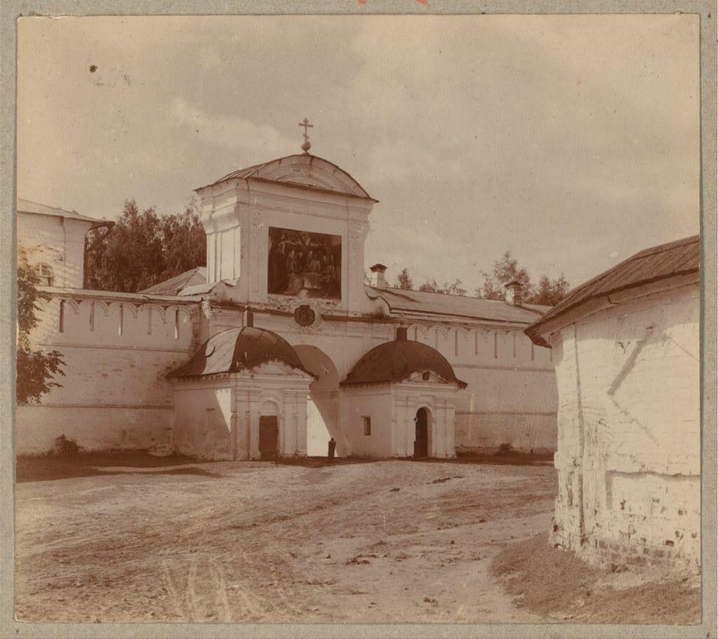 Екатерининские врата. Ипатьевский монастырь. 1911.