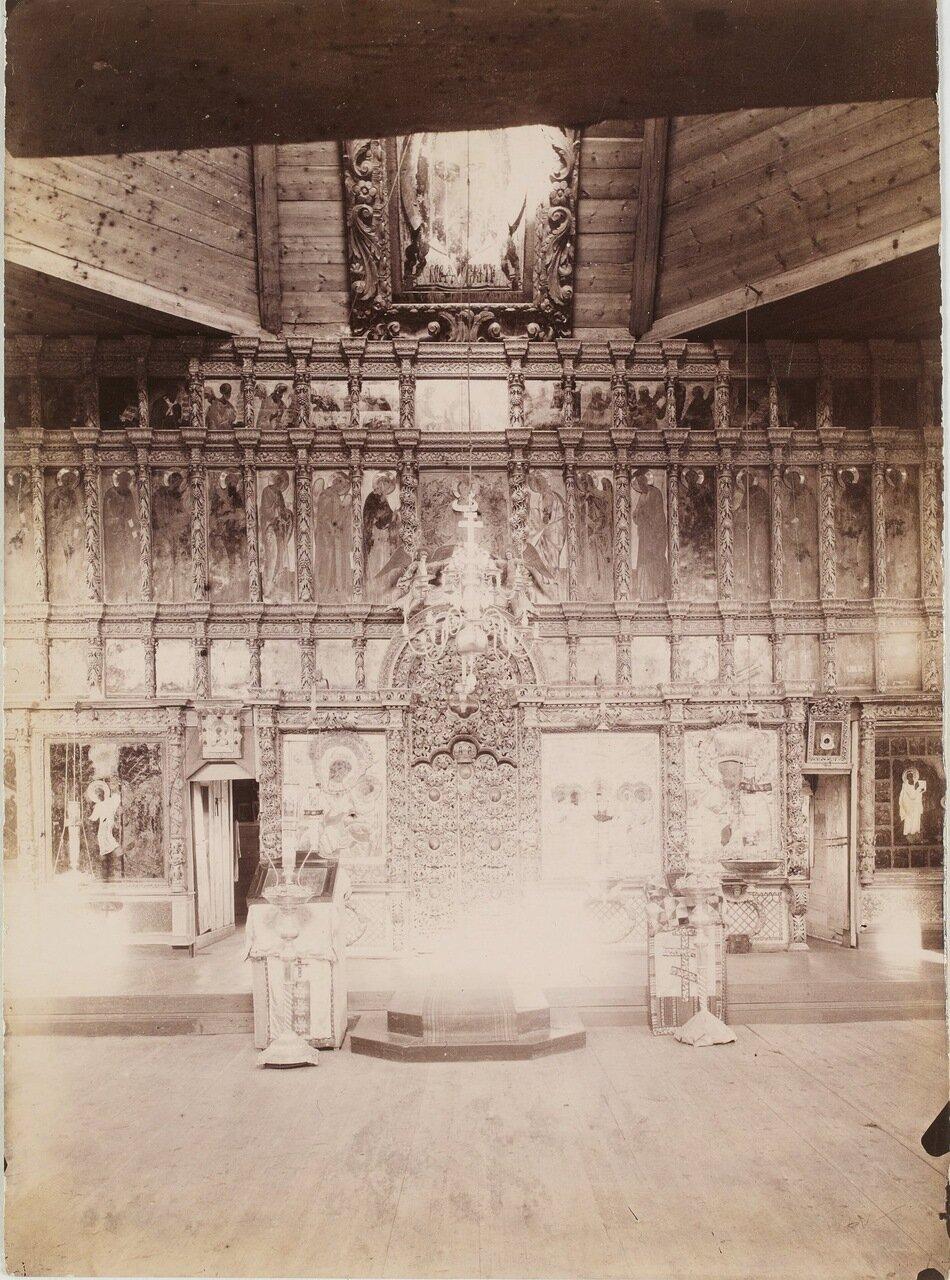 Интерьер деревянной Сумской церкви конца шестнадцатого века.