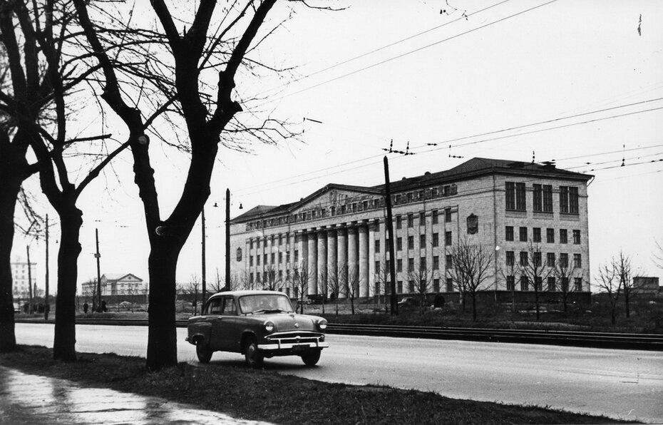 1958. Брест-Литовское шоссе (сейчас проспект Победы)