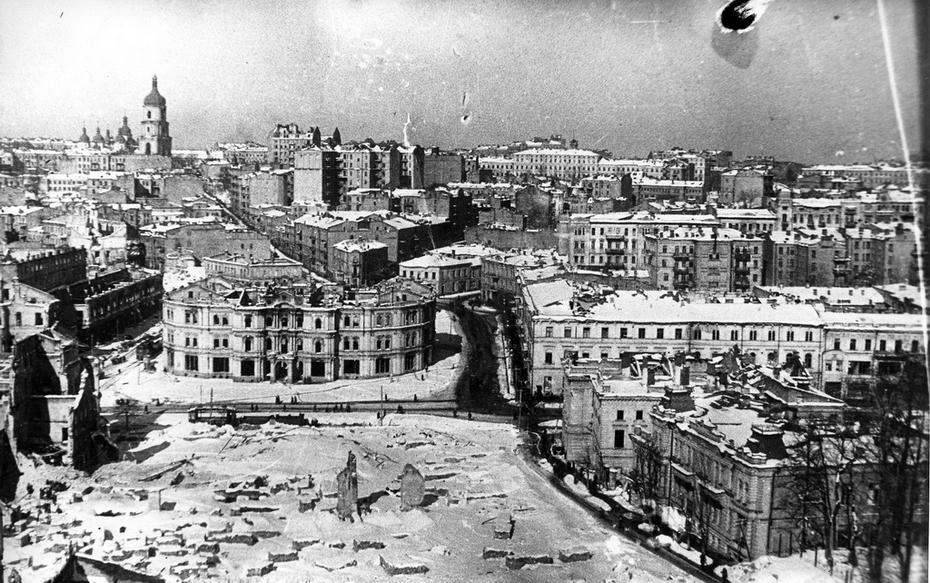 1944. Фото: Артюхович. Вид разрушенного центра города