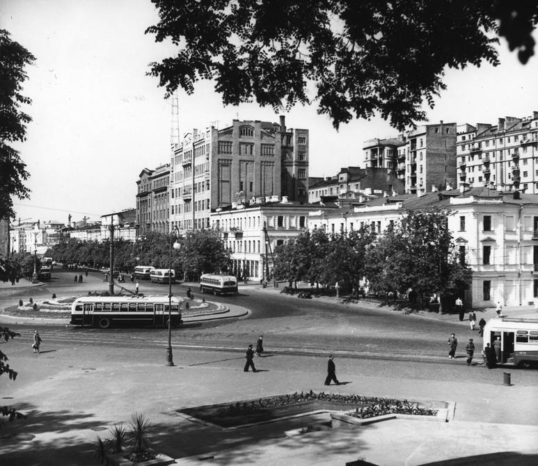 1953. Площадь Сталина (теперь Европейская площадь)