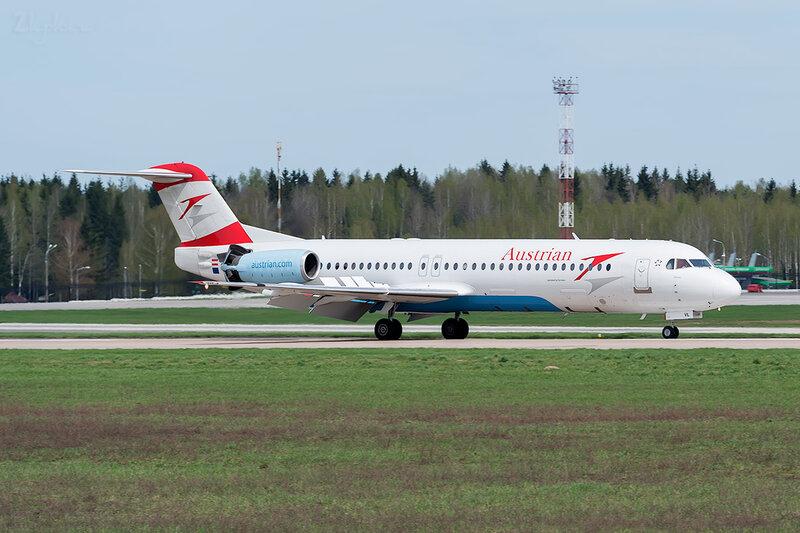 Fokker 100 (OE-LVL) Austrian D800317