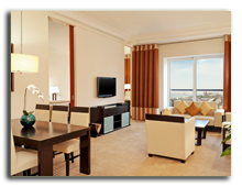 ОАЭ. Дубаи. UAE. Grosvenor House, Dubai. Premier Executive Suite - Living Room