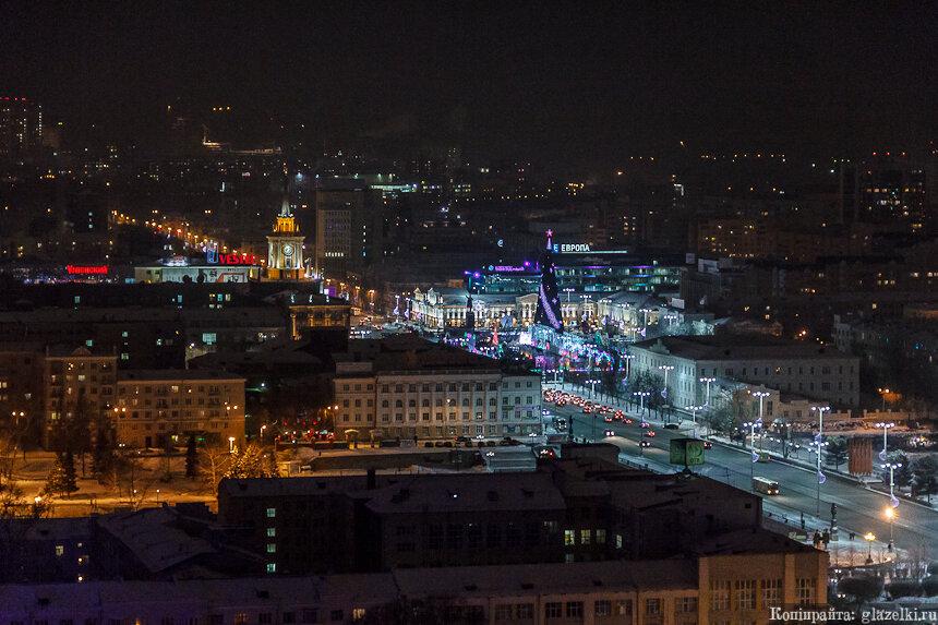 Ночной Екатеринбург. Городская елка.