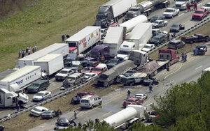 Из-за тумана в Америке случилась крупная авария, в которой пострадали 140 и погибли два человека