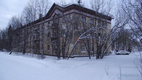 Фото города Инта №2839  Юго-восточный угол Коммунистической 18 31.01.2013_13:34
