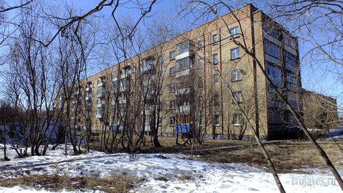Фото города Инта №4171  Юго-восточный угол Горького 8а 30.04.2013_13:07
