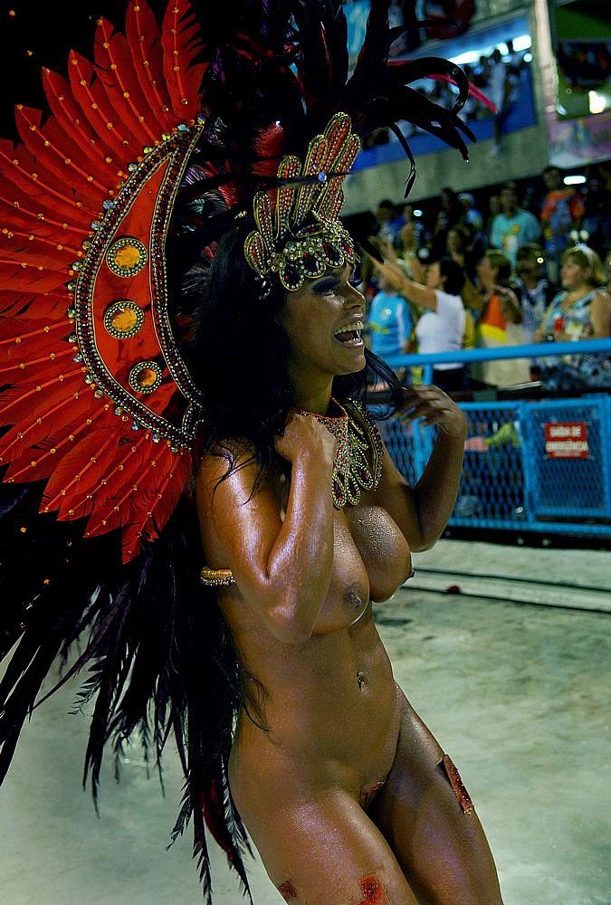 Смотреть онлайн бесплатно порно карнавал 14 фотография