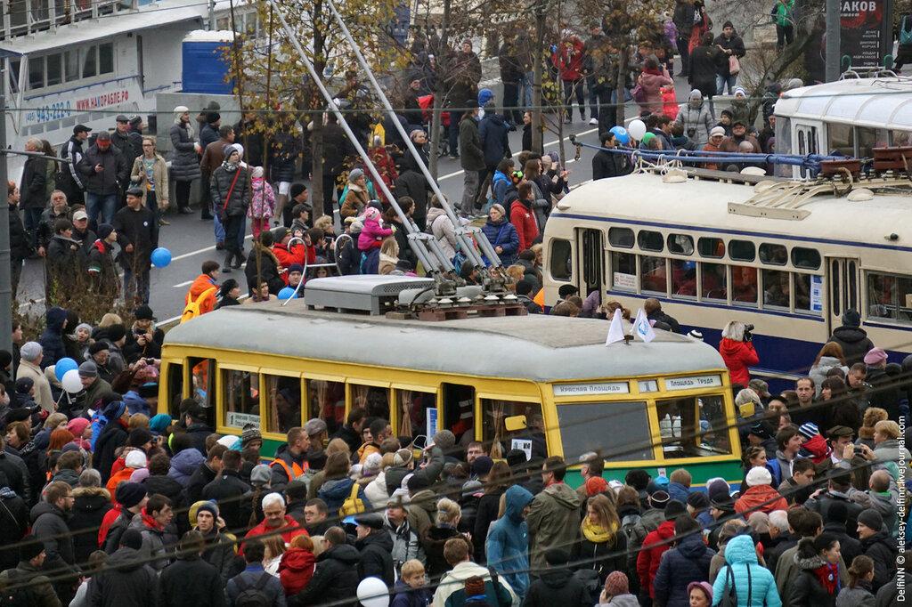 Парад-троллейбусов-02.jpg