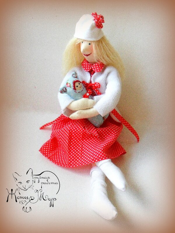 кукла с малышом