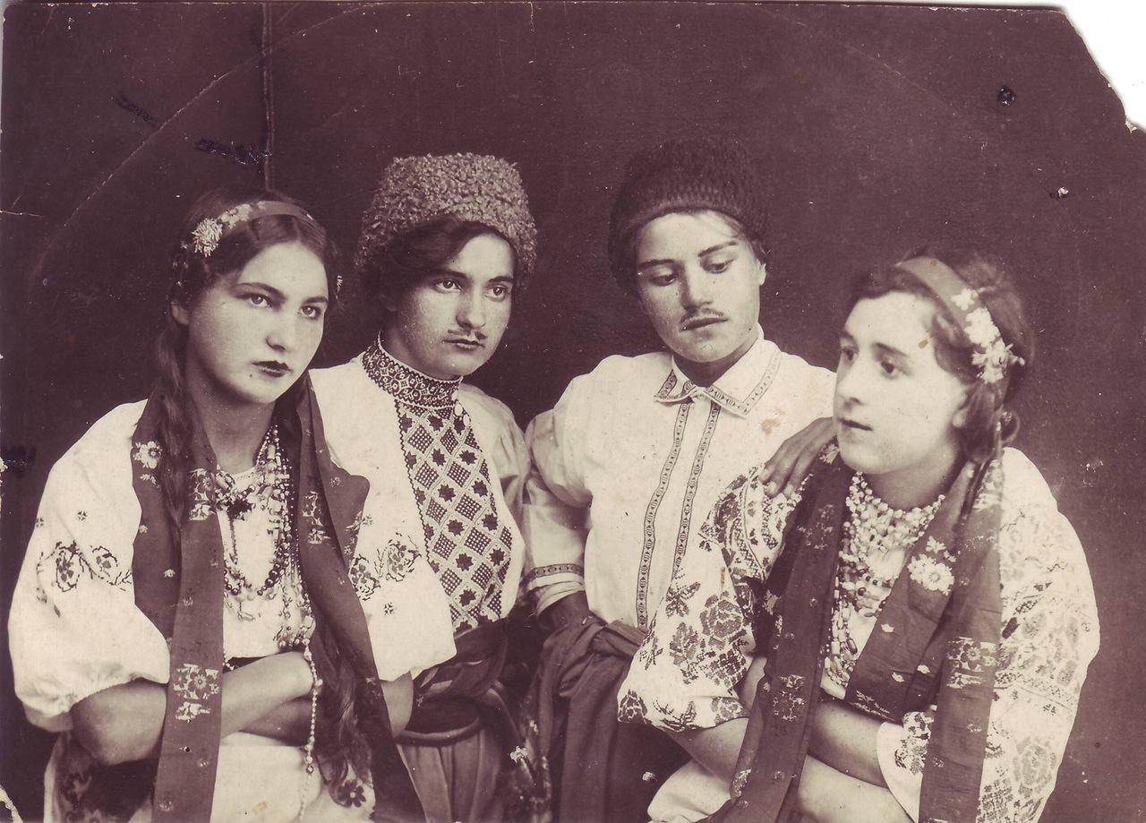 1939. Художественная самодеятельность Новосильской школы, спектакль к учительской конференции