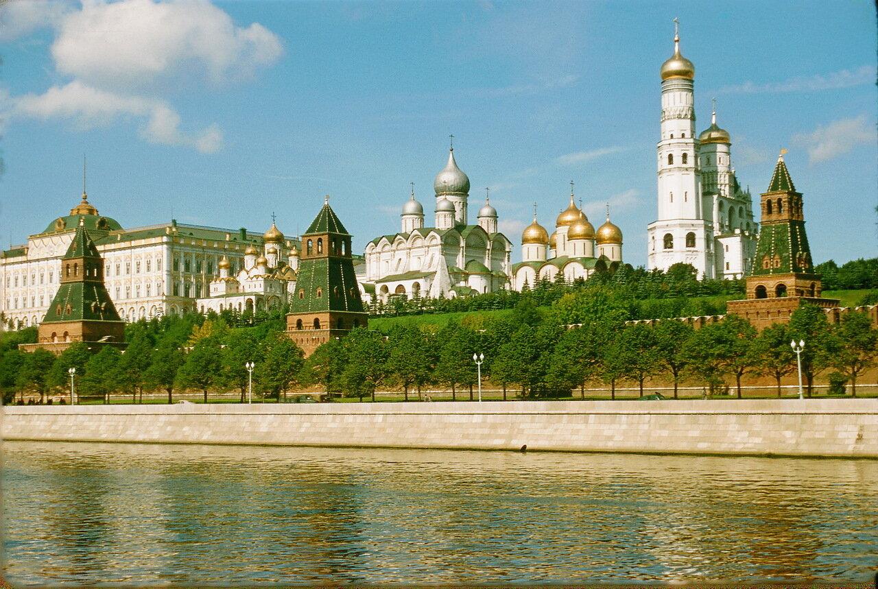 Кремль со стороны Москвы-реки