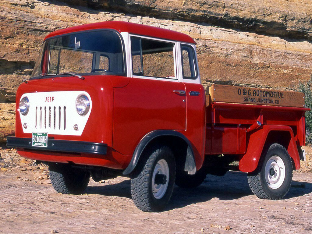 1957_Willys_Jeep_FC_150_002_6108.jpg