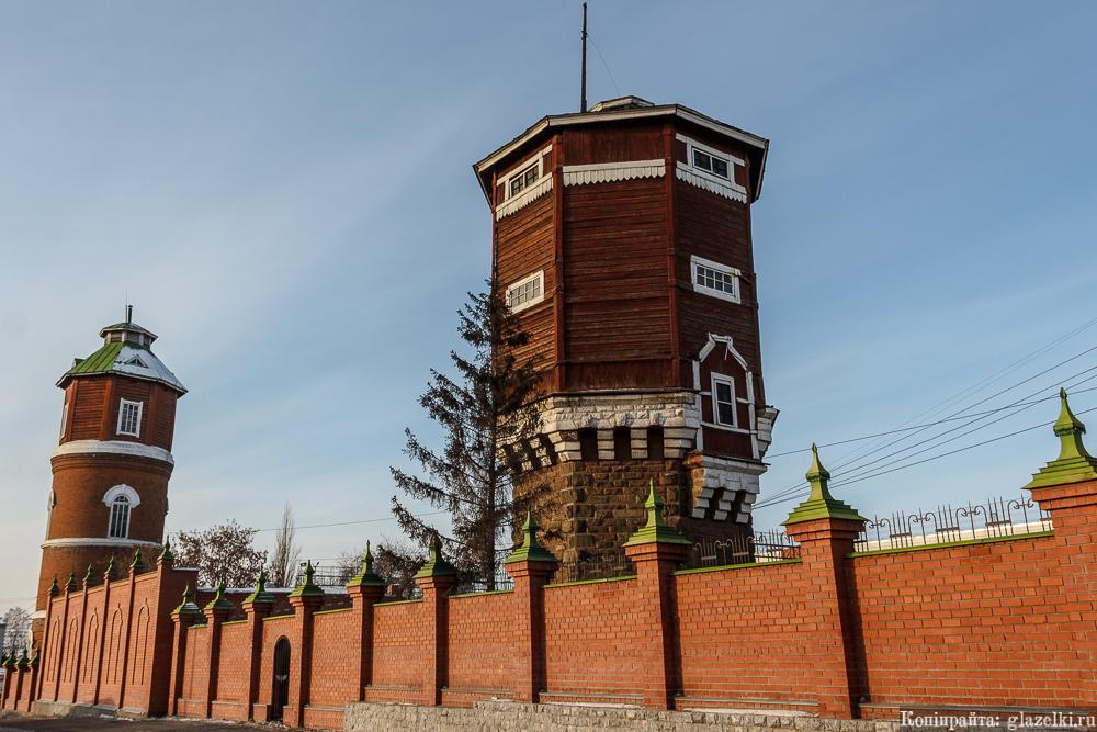 Водонапорные башни в Кургане.