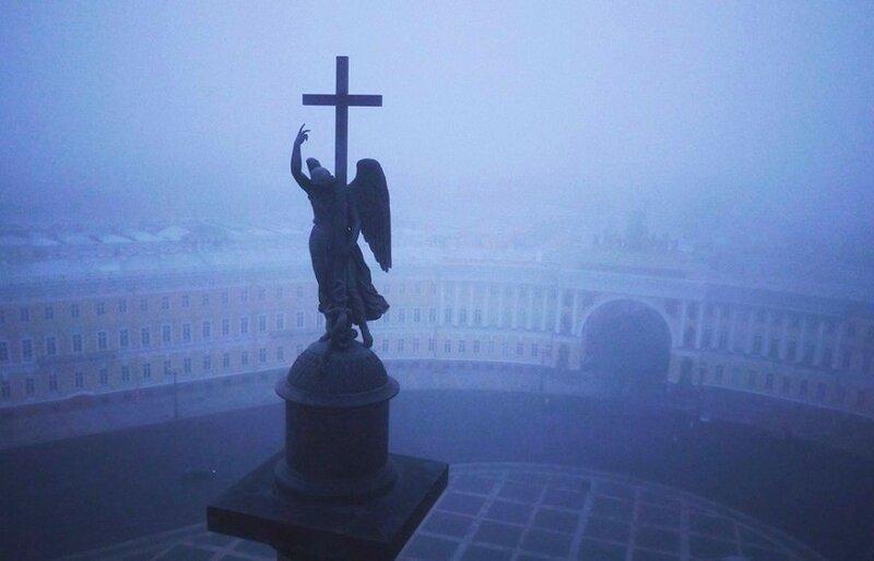 Вершина Александровской колонны (фото с помощью беспилотника)