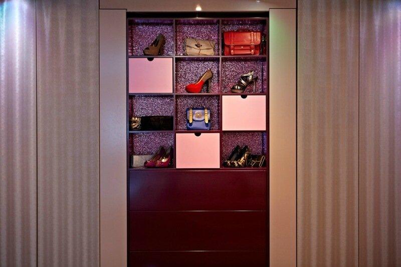 Королева спальни. Кровать из потолка и другие идеи студии YO! Home