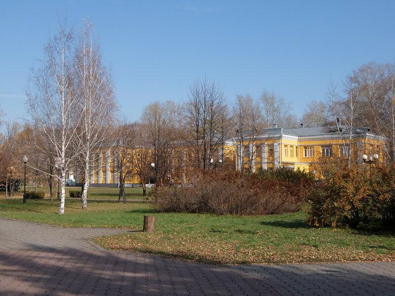 Новокузнецк - Сад Металлургов - Центр охраны здоровья семьи