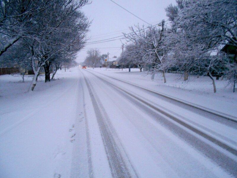 Свежий автослед на снегу .... DSCN3536.JPG