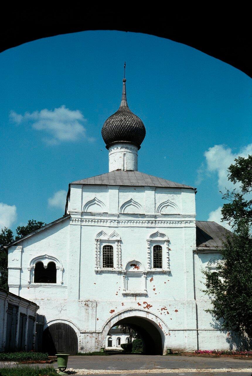 Суздаль. Вход в Спасо-Евфимиевий монастырь