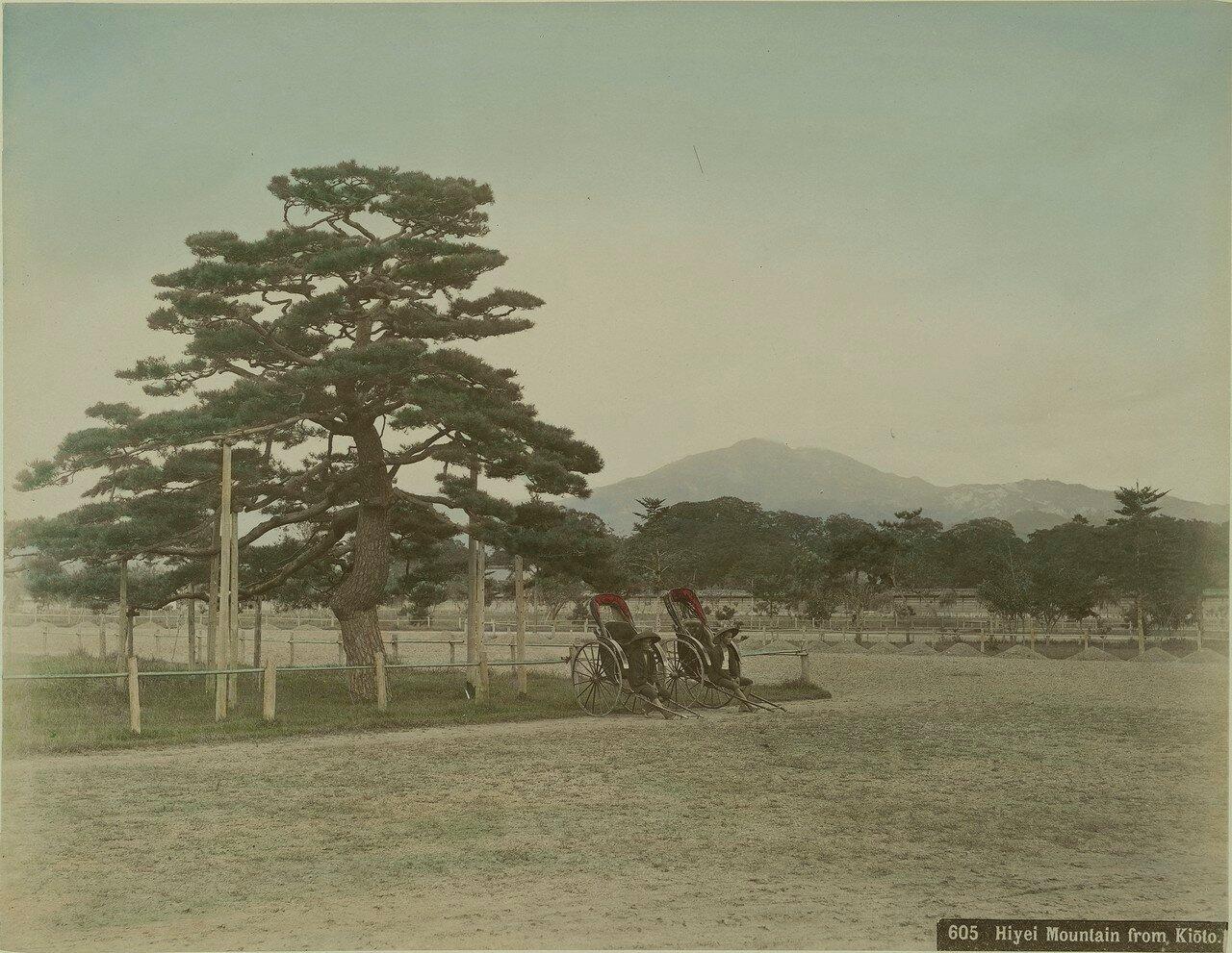 Киото. Вид на гору Хиэй