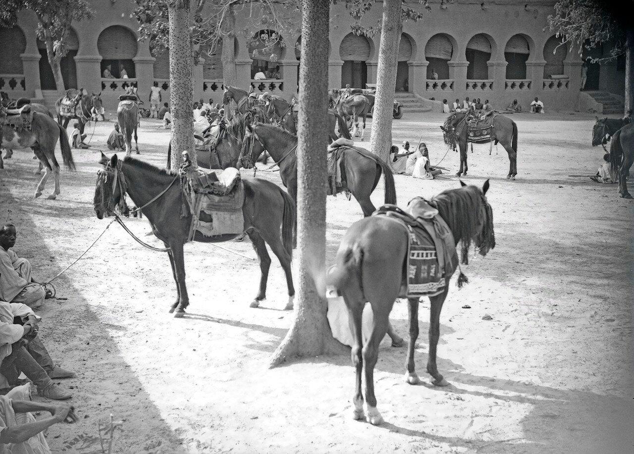 Двор дворца Моро Наба