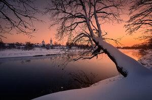 Скоры зимние сумерки...