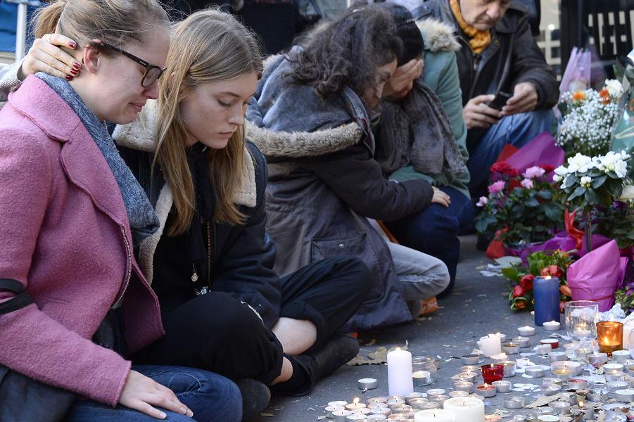 Париж после терактов.png