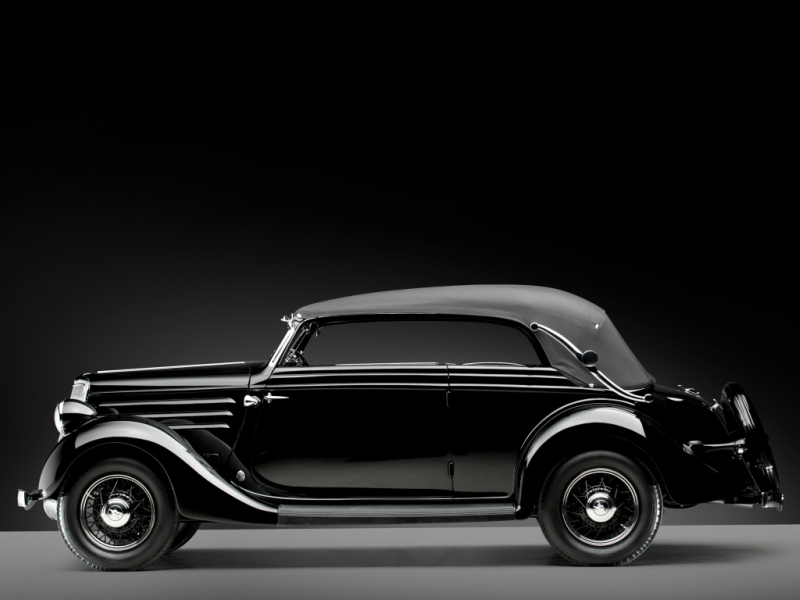 ford_v8_deluxe_convertible_sedan_by_glaser_8.jpeg