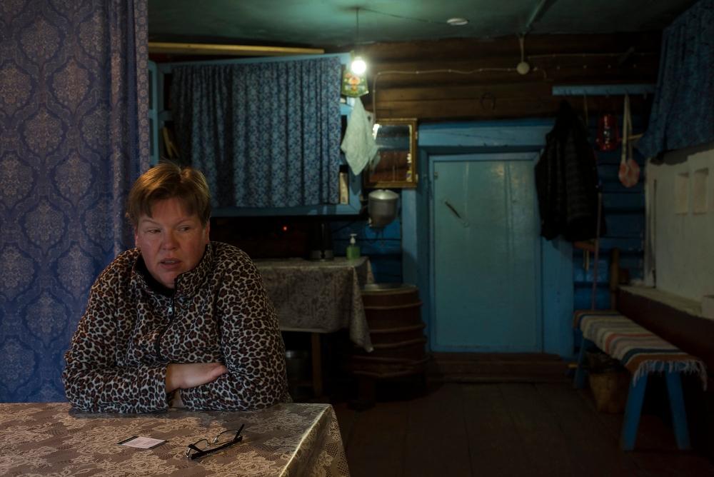 «В типичном карельском доме люди размещались под одной крышей вместе со скотиной, — объясняет Калмык