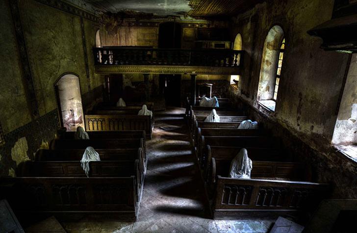 В попытке привлечь внимание к старому историческому зданию местный художник Якуб Хадрава превратил р