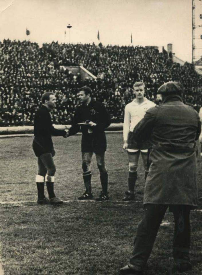 Луганский футбол. История.