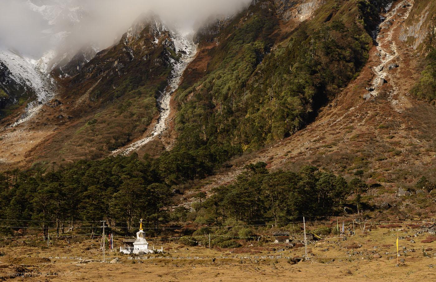 Фотография 24. Ступа в горах долины Yumthang Valley в Сиккиме. Стоит ли ехать в путешествие по Индии? 8.0, 1/125, 160, 70.