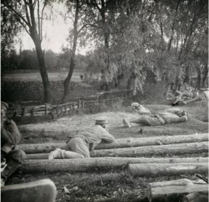09. 1914. Военнослужащие полка на отдыхе. Польша или Галиция