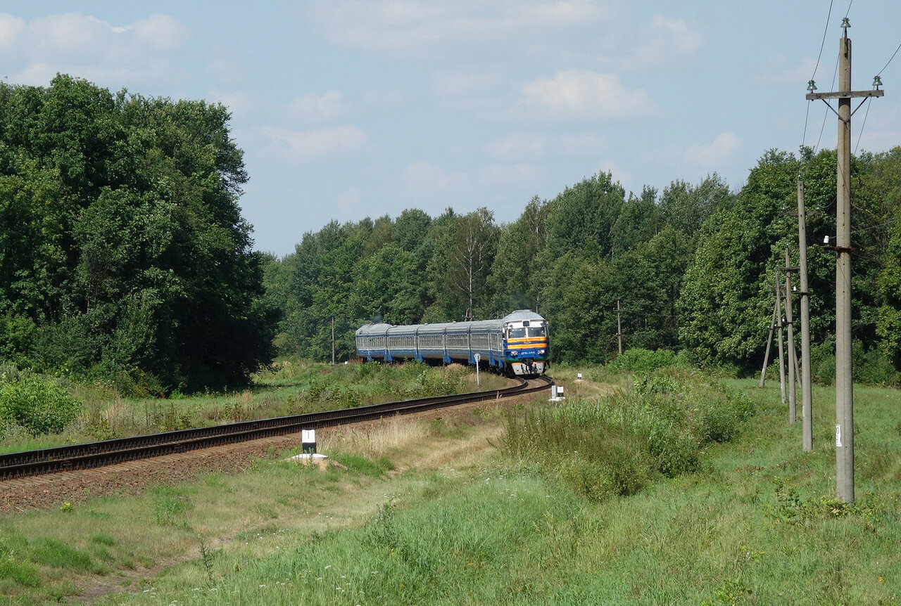 ДР1П-099 отправляется от о.п. Загродье