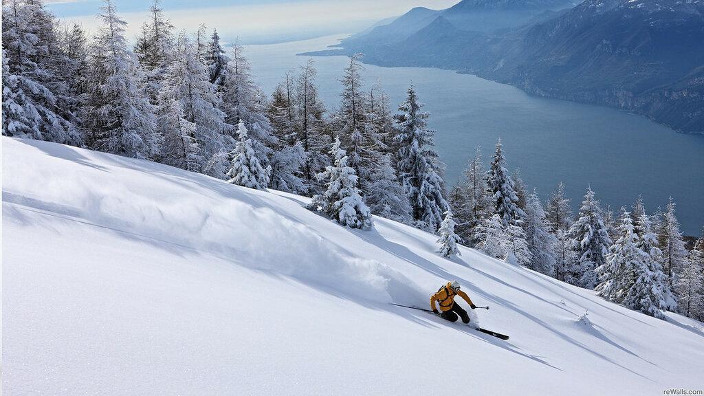 skier_skiing_descent_snow_stuff_ultra_3840x2160_hd-wallpaper-163884.jpg