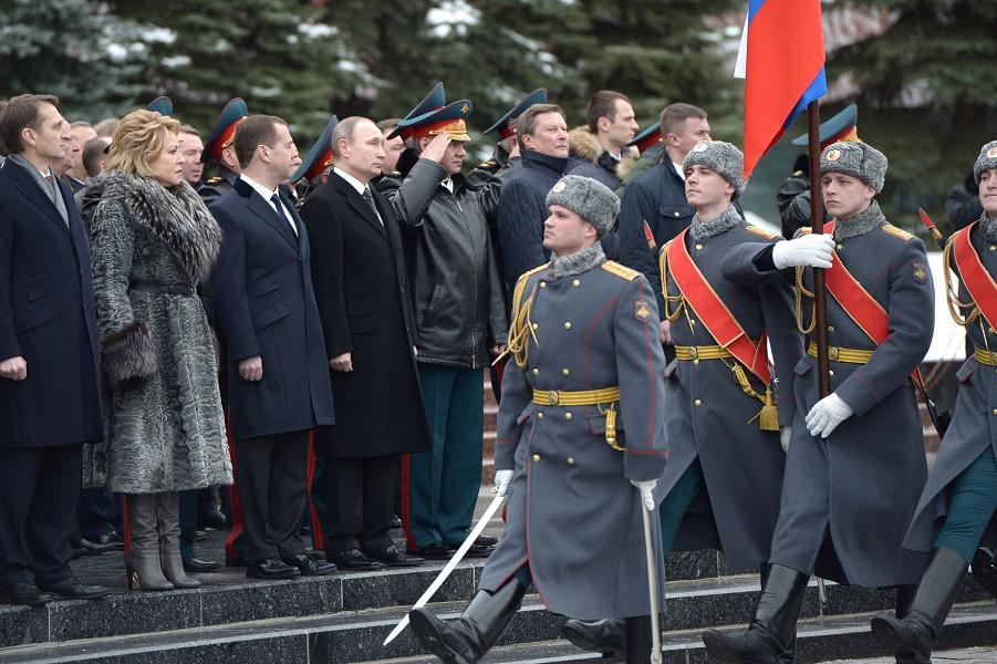 Возложение венков к Могиле Неизвестного солдата 23.02.16.png