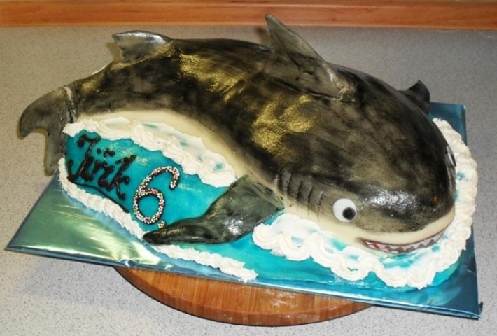 Акула из марципана