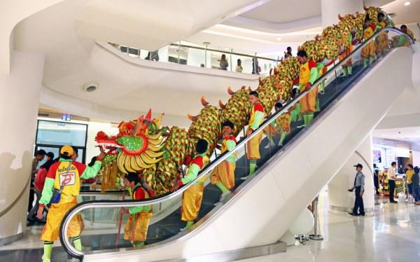 Празднование Нового года в китайском квартале Манилы, Филиппины