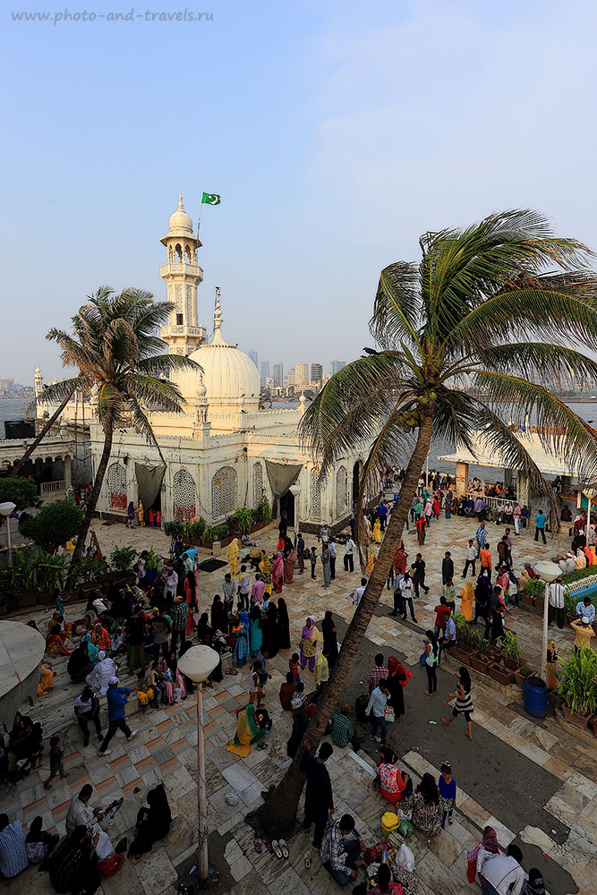 27. Внутренний двор мечети Хаджи Али. Что посмотреть в Мумбаи. Отчеты туристов о поездке в Индию (17-40, 1/200, 0eV, f9, 17 mm, ISO 100)