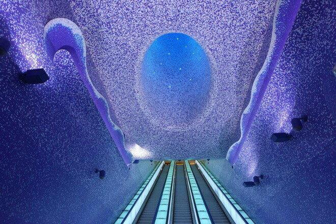 Станция Метро Толедо. Италия