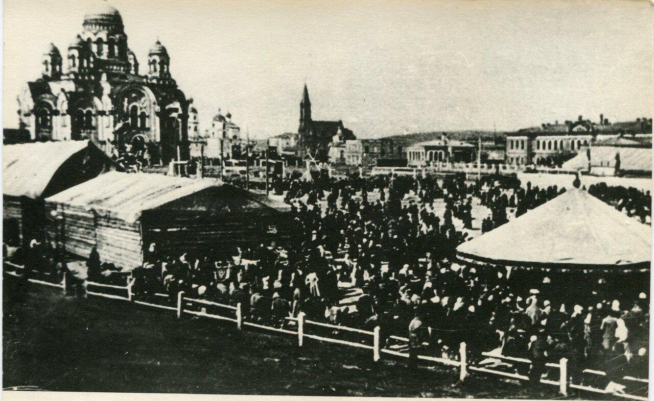 Ярмарка на Тихвинской площади