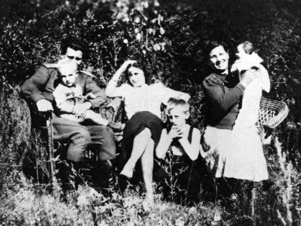 1950. В г.Гайсин, УССР. Фото июнь-август