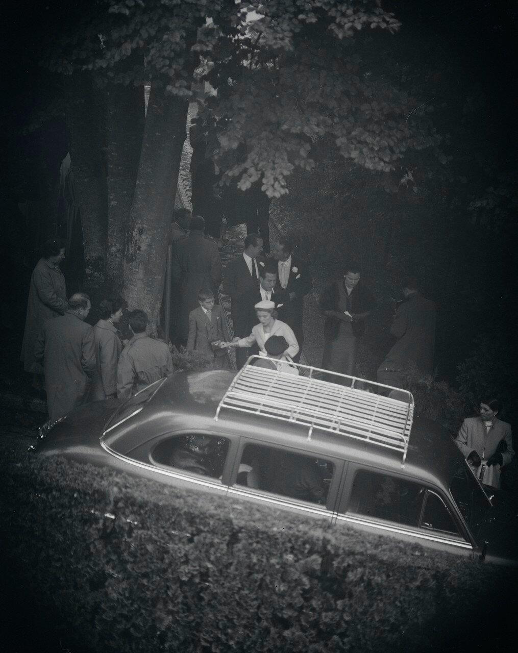 Hochzeit von Audrey Hepburn mit Mel Ferrer in der Kapelle auf dem Bürgenstock