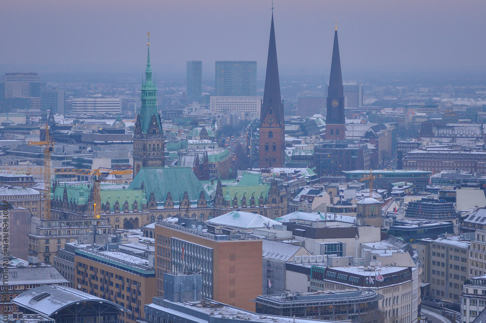 Hamburg-fom-the-Top-(1).jpg