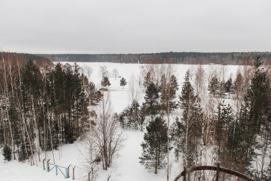 озеро протяжное в зимнее время года