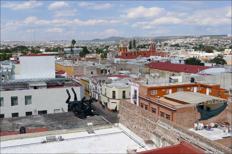 Mosca Muerta: Украшение в виде дохлой мухи на День мертвых в Мексике