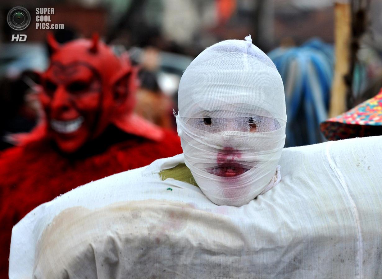 Монструозный карнавал Вевчани