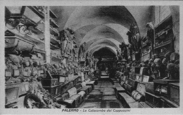 В 1599 году монахи-капуцины сделал шокирующее открытие во время эксгумации тел, которые извлекли из