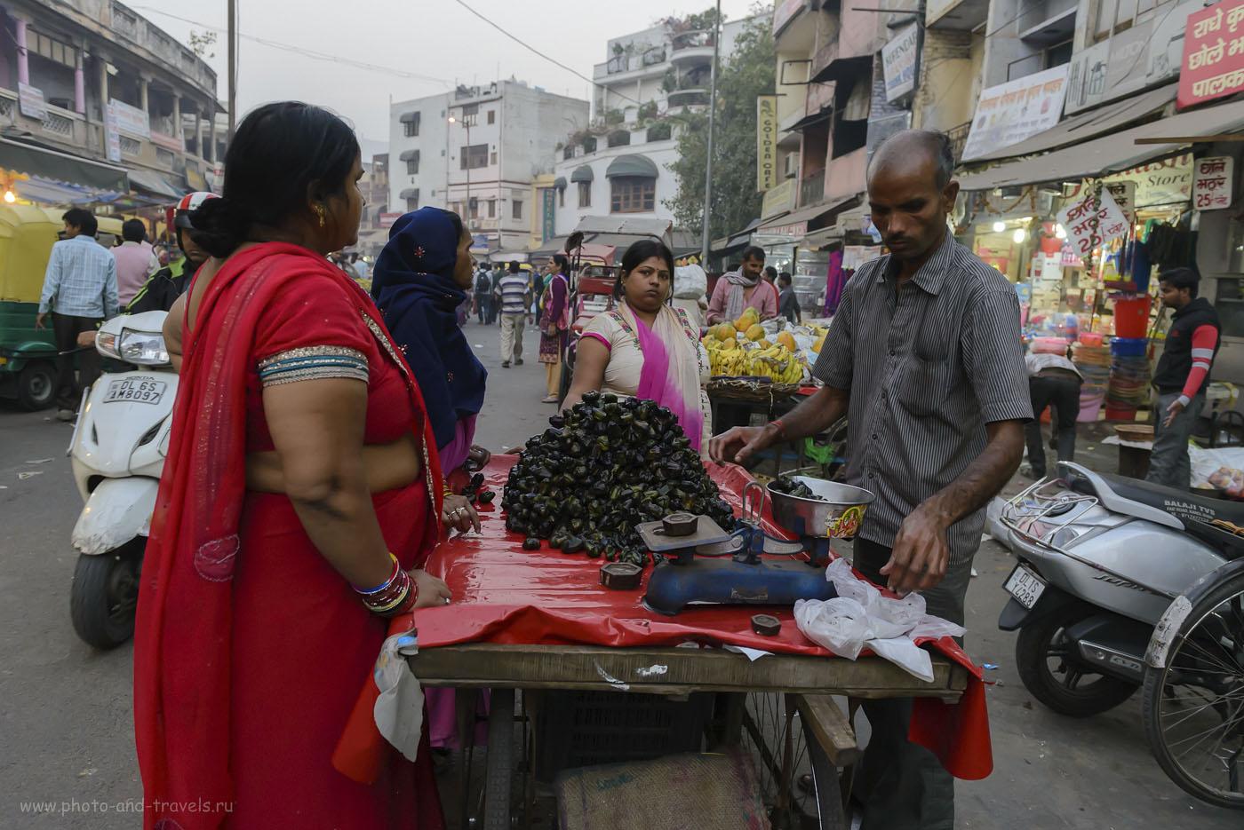Фотография 19. Водяные орехи на улице Main Bazar в Дели. Отзывы о самостоятельной поездке в Индию. 1/125, -0.33, 4.5, 4000, 24.